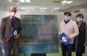 El pintor taradellenc Jesús Ramos dona un quadre a l'Hospital de Vic