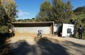 Un camió bolcat talla durant 4 hores la carretera de Mont-rodon