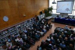 La biblioteca s'omple en l'acte anual del Grup de Recerca
