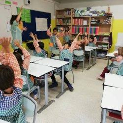 L'escola Sant Genís i Santa Agnès ja té les Maletes Lectores de la Biblioteca