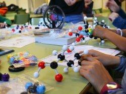 Taller: De què està feta la vida.Models moleculars' per commemorar la Setmana de la Ciència