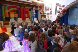 Col·laborem amb els alumnes del Parvulari de l'escola Les Pinediques