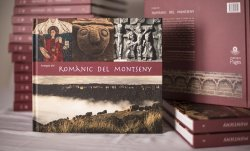 L'exposició 'Romànic del Montseny' s'atura a la Biblioteca de Taradell