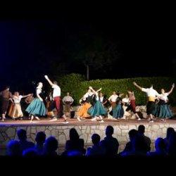 Actuacions de l'Esbart Sant Genís i la Cobla Lluïsos a la festa major