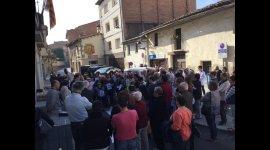 Concentració a davant de l'Ajuntament per demanar la llibertat de Sánchez i Cuixart