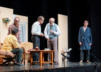 AGENDA: teatre amb '1r - 3a', llibres i futbol