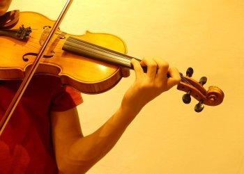 #JoEmQuedoACasa: L'escola de música proposa tocar 'L'himne de l'alegria' al balcó