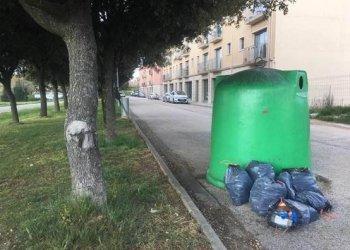 Multes de fins a 3.000 euros per gestionar malament els residus domèstics o industrials