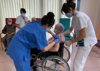 La vacunació a Taradell se centra ara en la població d'entre 80 i 90 anys