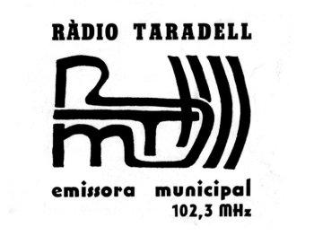 Primer logotip de Ràdio Taradell.