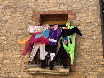 Concurs de balcons i finestres Carnaval 219