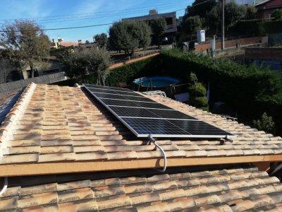 Instal·lació fotovoltaica d'autoconsum ubicada a Taradell