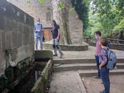 Miquel Sellés (tècnic municipal), Pep Domènech Subirana (artesà), Joan Canó (Regidor de Sostenibilitat i Urbanisme) i Míriam Martínez (Regidora de Cultura i Patrimoni)