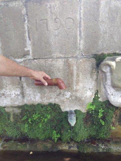 Broc de la Font Gran forjat de nou amb bronze, el juliol de 2020, seguint el model dels brocs antics.