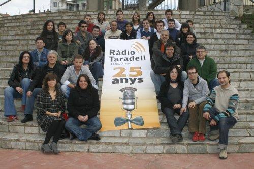 Col·laboradors de l'emissora l'any 2008.