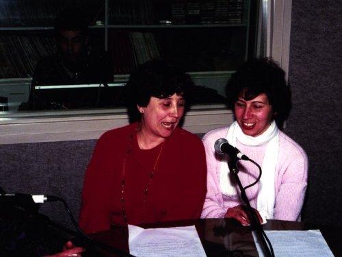 La Ràdio sempre ha estat oberta al poble. En aquest cas, col·laborant amb l'Agrupació Sardanista.
