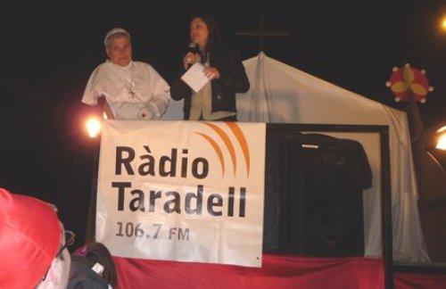Ramon Solerdelcoll, primer Rei Carnestoltes, i Raquel Mateos, primera pregonera del Carnaval organitzat per Ràdio Taradell.