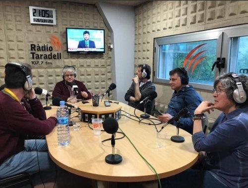 Josep Miret en una tertúlia a Ràdio Taradell.