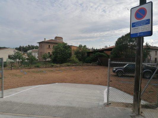 S'obre el nou aparcament temporal del carrer Guillem de Mont-rodon