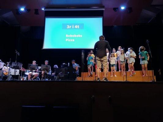 FOTOS. L'Escola de Música tanca el curs amb una cantata i un concert