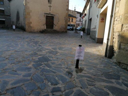 Prohibit aparcar a la plaça de Santa Llúcia