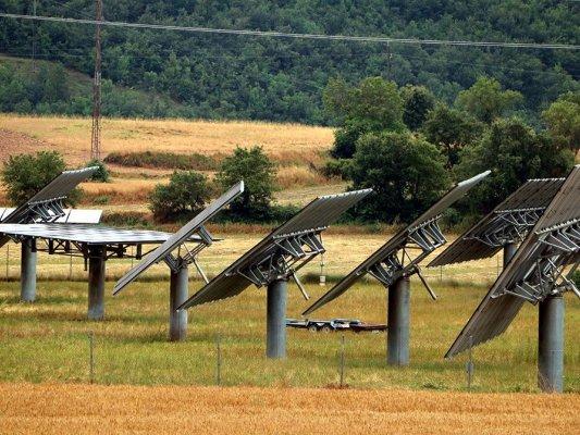 Taradell no donarà llicències urbanístiques d'instal·lacions d'energia solar i eòlica