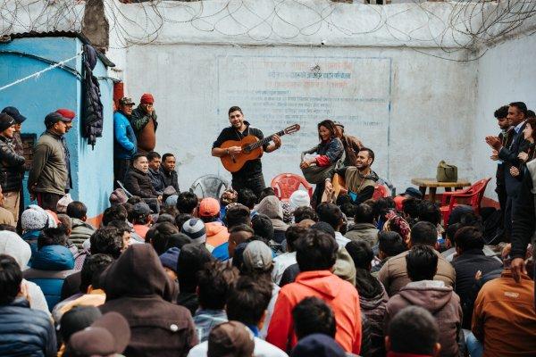 El cantant de Txarango presentarà a Taradell el seu projecte humanitari amb el Nepal