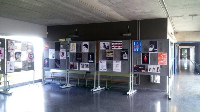 Exposició Cartells 25N Institut
