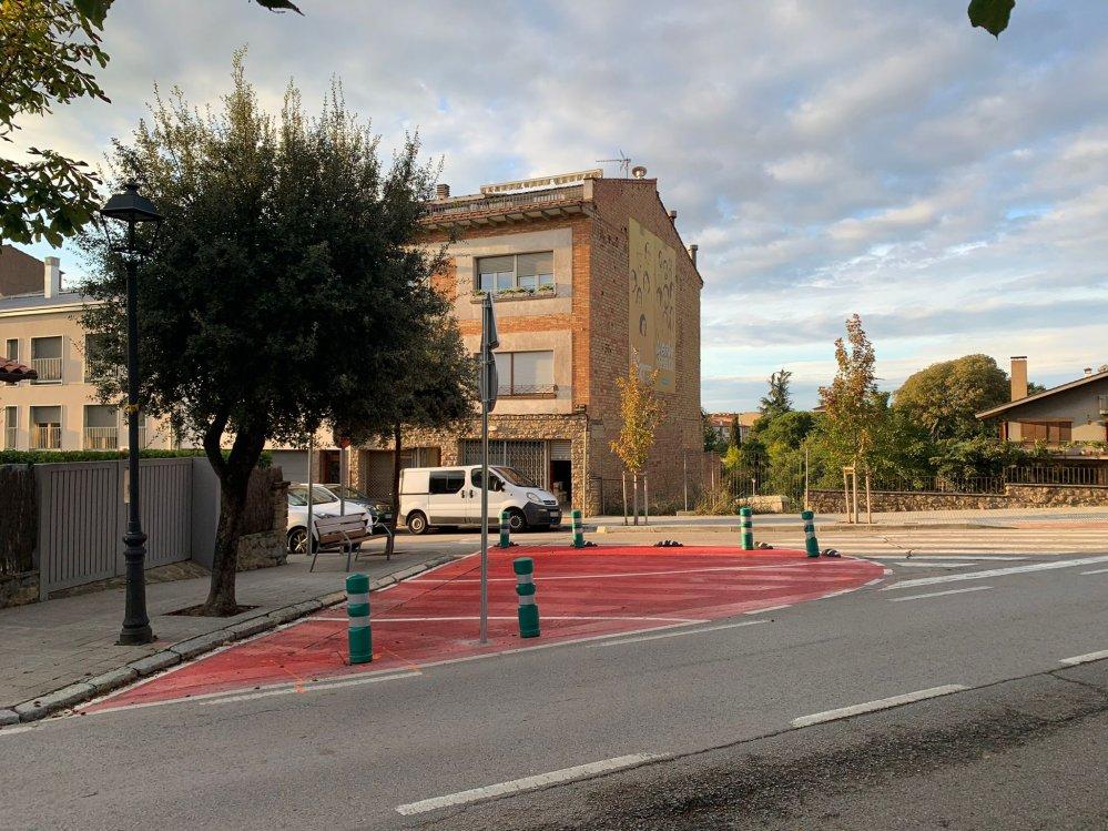 Cruïlla carrer Ramon Pou amb carretera de Balenyà